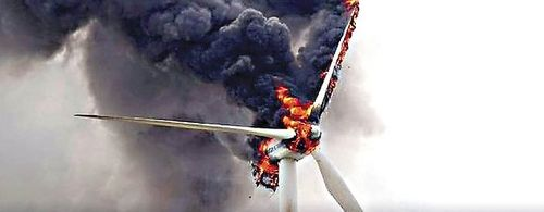 Wind_turbine_burning2